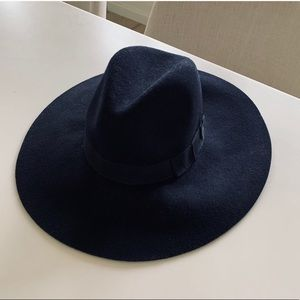 Lack of color style Midnight Montana hat